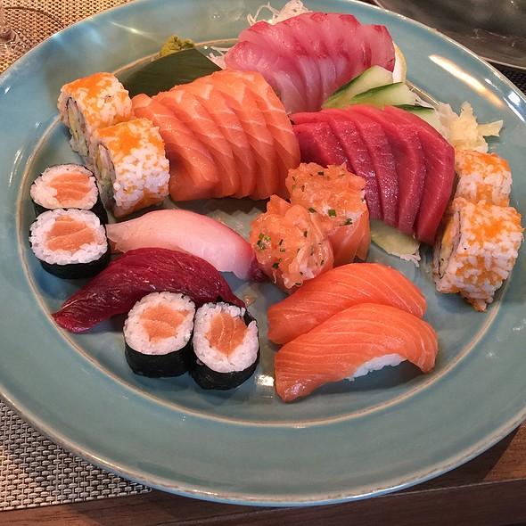 Sushi & Sashimi @ Restaurante Terra
