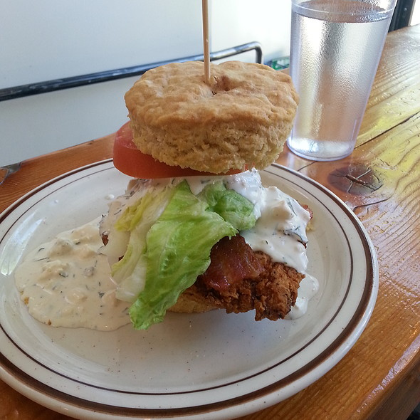 Fried Chicken Club @ Pine Street Biscuit