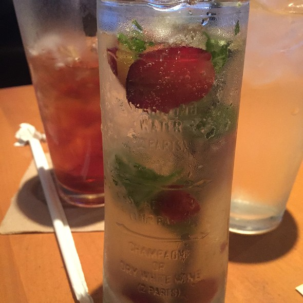 Seasonal Harvest Sangria @ California Pizza Kitchen