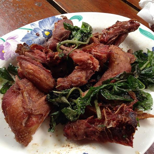 香烤竹雞 @ 山賓餐廳
