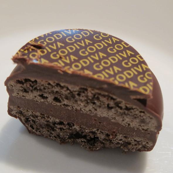 Godiva Macaron Chocolat @ Godiva Japan