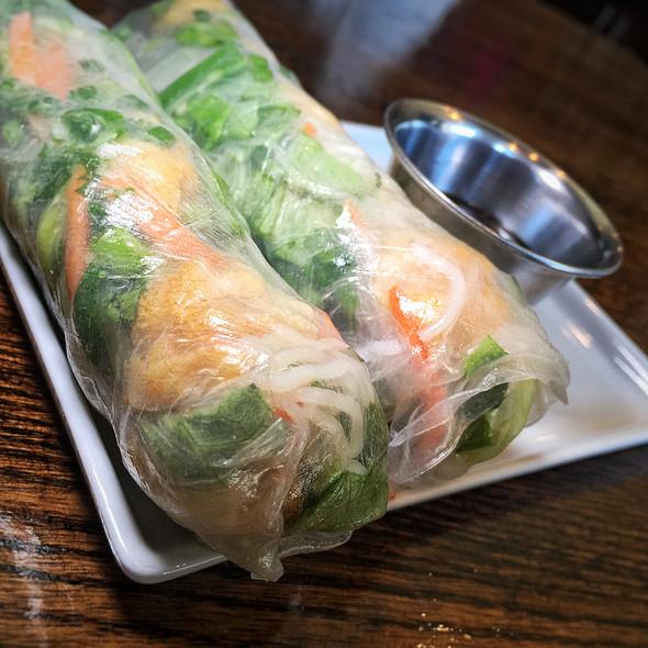Tofu Summer Rolls @ tomukun noodle bar