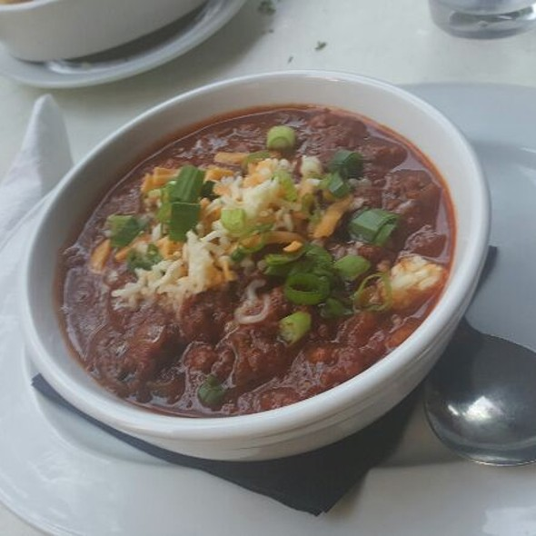 chili @ Cypress Street Pint & Plate