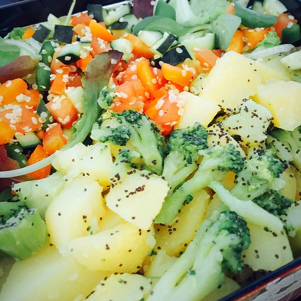 Bentobako: Broccoli And Potato, Sweet Potato And Apple With Sesame Oil @ ./lsd Cooking Pot