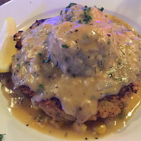 Crab Cake And Corn Machoux