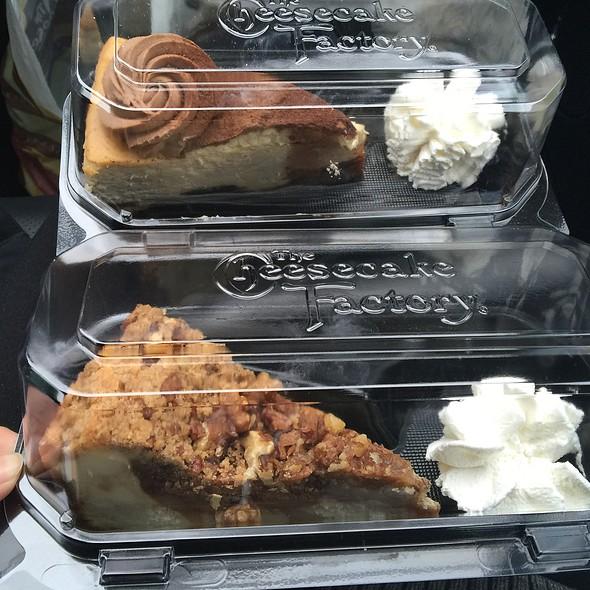 Dutch apple caramel cheesecake @ Cheesecake Factory