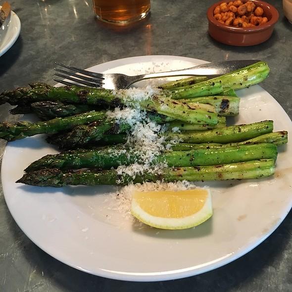 Grilled Asparagus @ Tasty n Alder