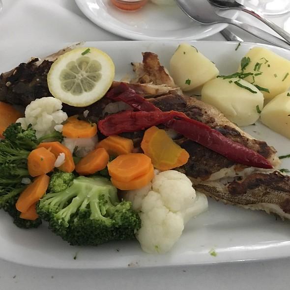 Grilled Grouper @ Restaurante O Silva