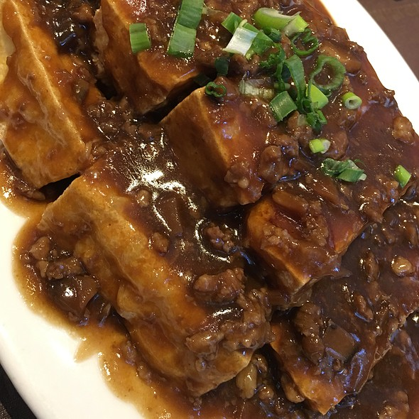 Fried Tofu With Meat Sauce