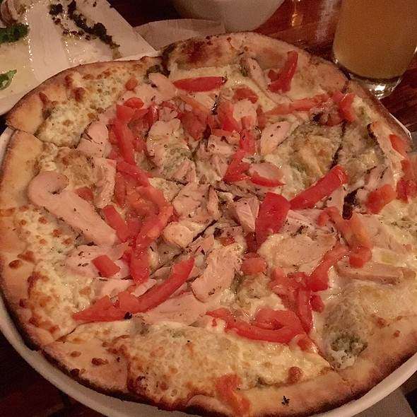 Chicken And Avocado Pizza @ Hey Lucy Pizza & Wine Bar