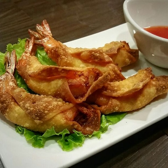 Crispy Shrimp Egg Rolls @ Chopstix Vietnamese Kitchen