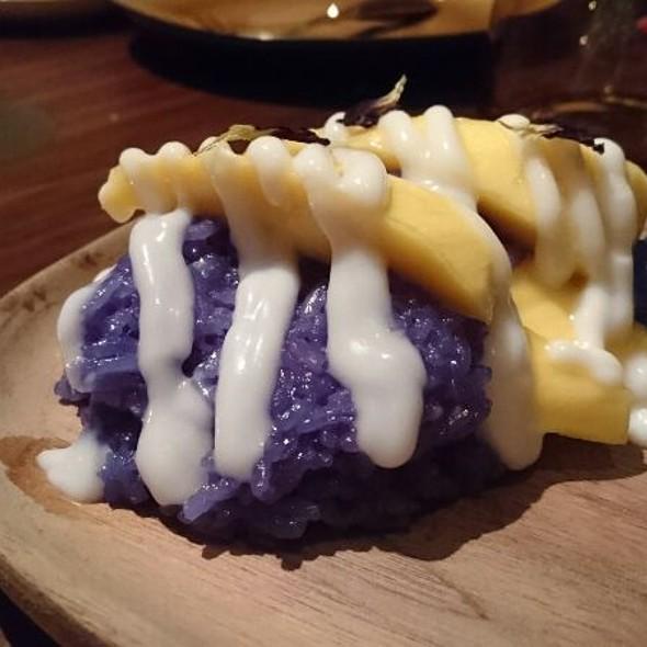 Mango Sticky Rice @ Mak Mak