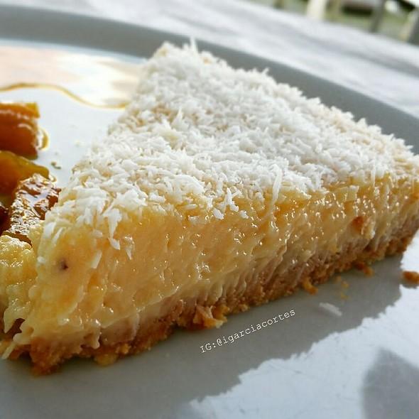 Coconut Cake @ El Parador II