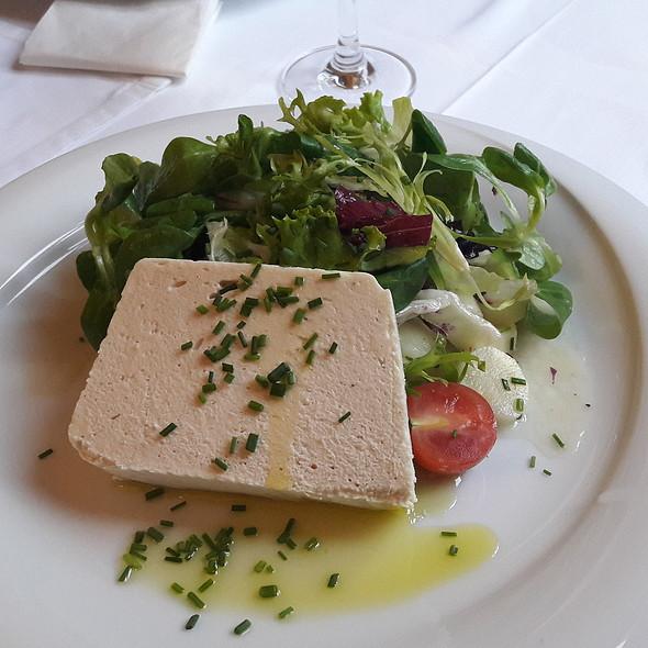 trout terrine with asparagus salad @ Herbeck - Die neue Gastwirtschaft