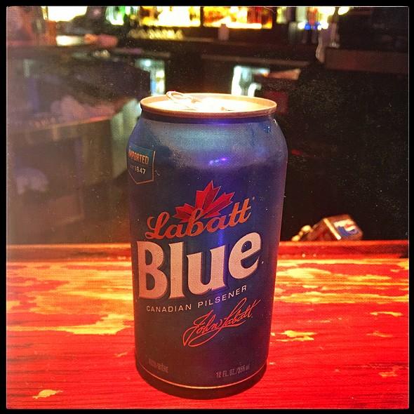 LaBatt Blue @ Chickie's & Pete's