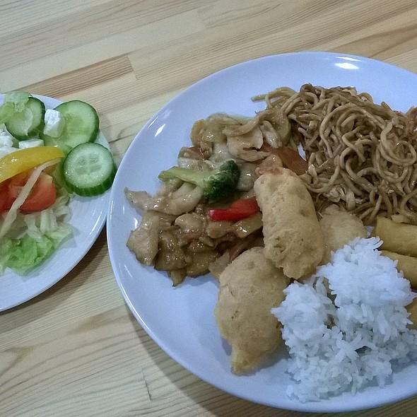 Chinese Buffet @ Chinese Restaurant