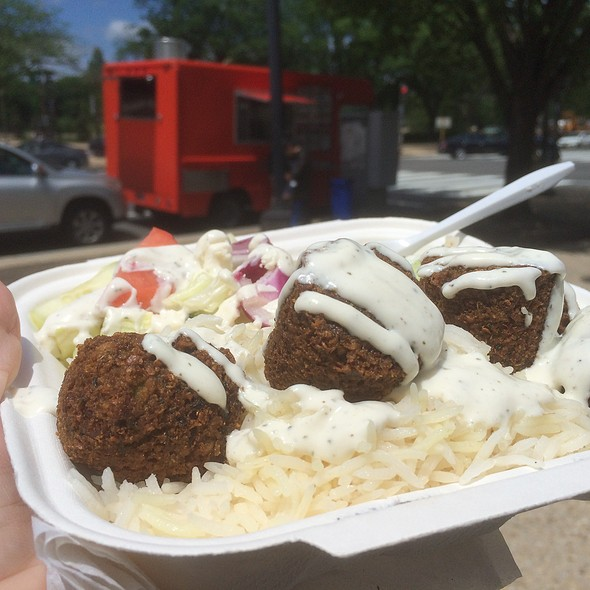 Falafel @ Food truck outside Air & Space museum