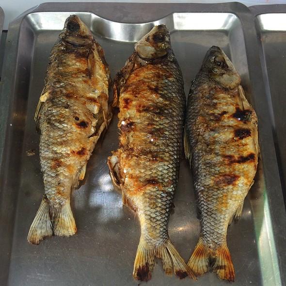 Pescados Asados @ La Cabañita