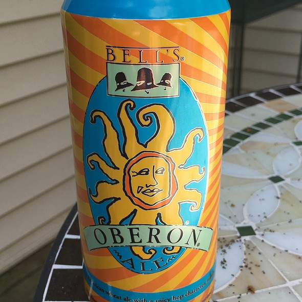 Bell's Oberon Ale (American Pale Wheat Ale) From Bell's Brewery, Inc. In Kalamazoo, Mi.