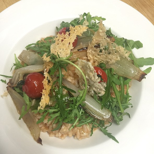 Asparagus-Tomato Risotto With Rocket, Parmesan Crisps And Glazed Shallots