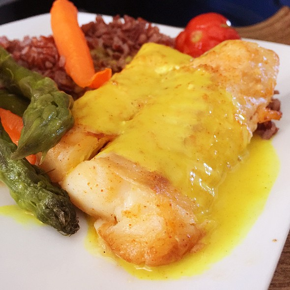 Pan Roasted Cod @ Delta Air Lines First Class Lunch