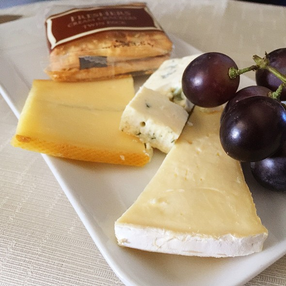 Belgian Cheese Selection @ Delta Air Lines First Class Lunch