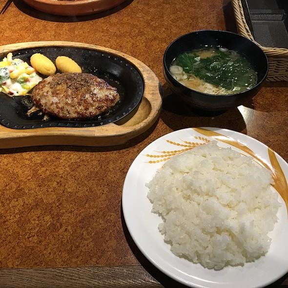 レギュラーバーグステーキセット @ びっくりドンキー・宇都宮東店