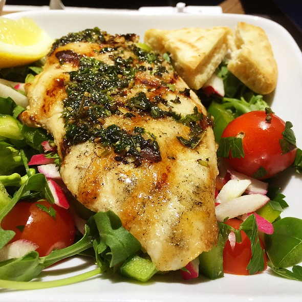 Grilled Chicken Salad With Pesto Sauce @ Delta Air Lines First Class Lunch