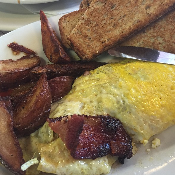 Omelette @ Four Aces Diner