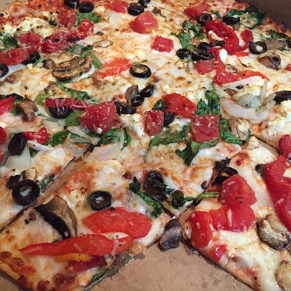 Pacific Veggie Pizza @ Domino's Pizza