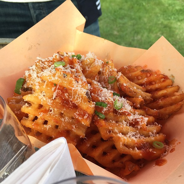 Parm Fries @ Food Truck Eats Peller Estates