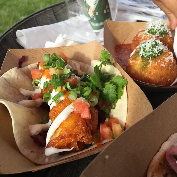 Fish Tacos And Arrancini @ Food Truck Eats Peller Estates