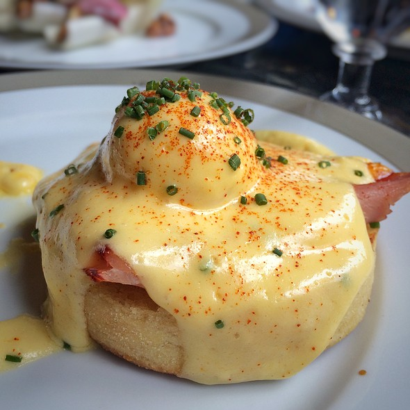Eggs Benedict @ The Wolseley