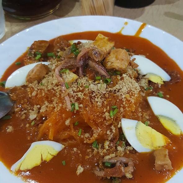 Pancit Palabok (Filipino Food) @ Little Quaipo