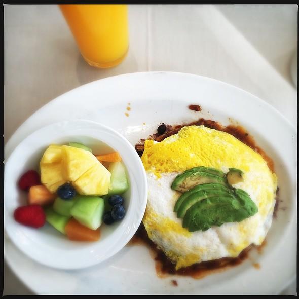 Huevos rancheros @ Dinah's Poolside Grill