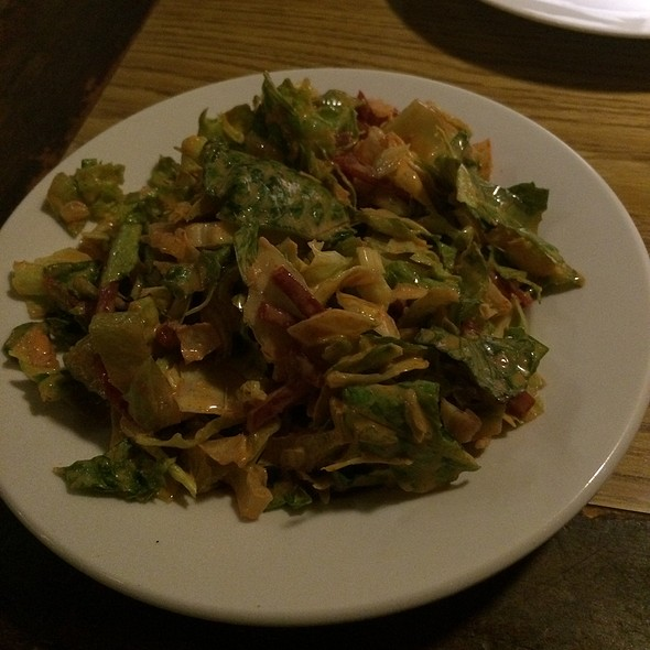 House Salad - Damon's Steakhouse, Glendale, CA