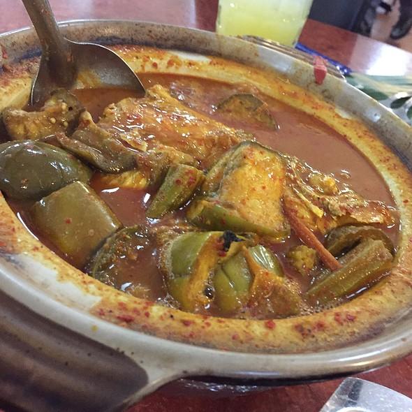 Fish Head Curry @ Samy's Curry