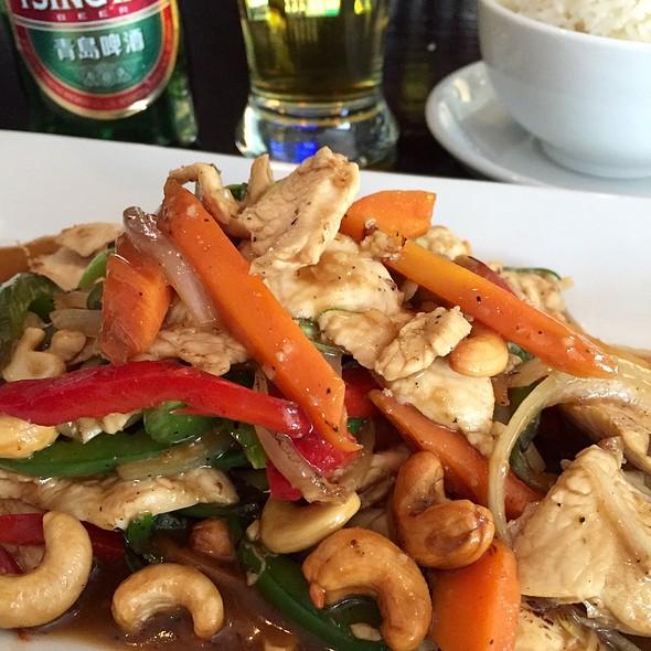 Pad Cashew @ Thai Basil Kitchen