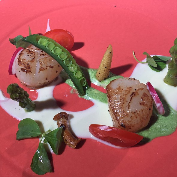 Pan Seared Scallops With 2 Sauce @ Woodside Restaurant