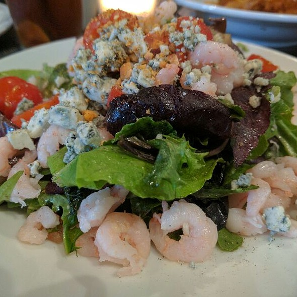 Shrimp and Bleu Cheese Salad