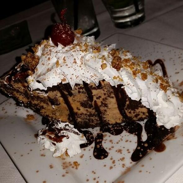 island prime's mud pie - Vintana Wine & Dine, Escondido, CA