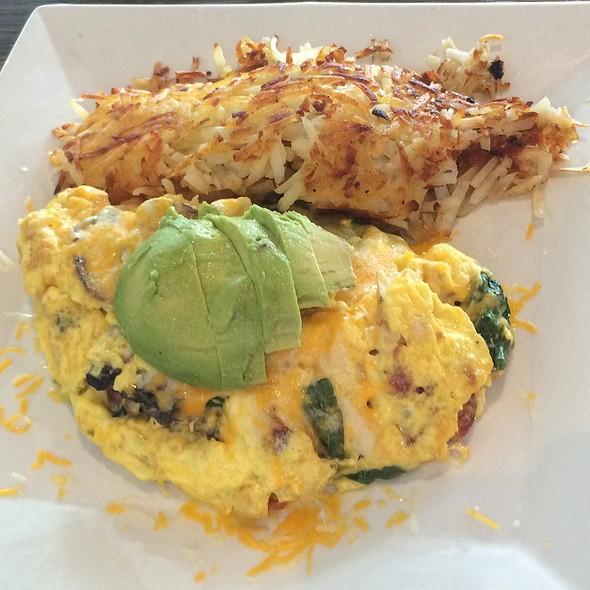 Calafornia Chicken Omelette