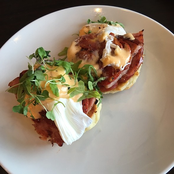 Southern Benedict @ Breakfast Brunch Cafe