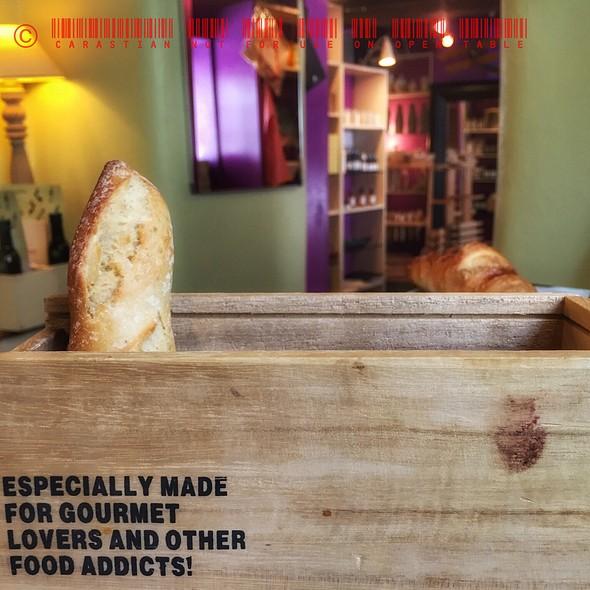 Bread Basket @ Taubenkobel Greißlerei und Weinhandlung
