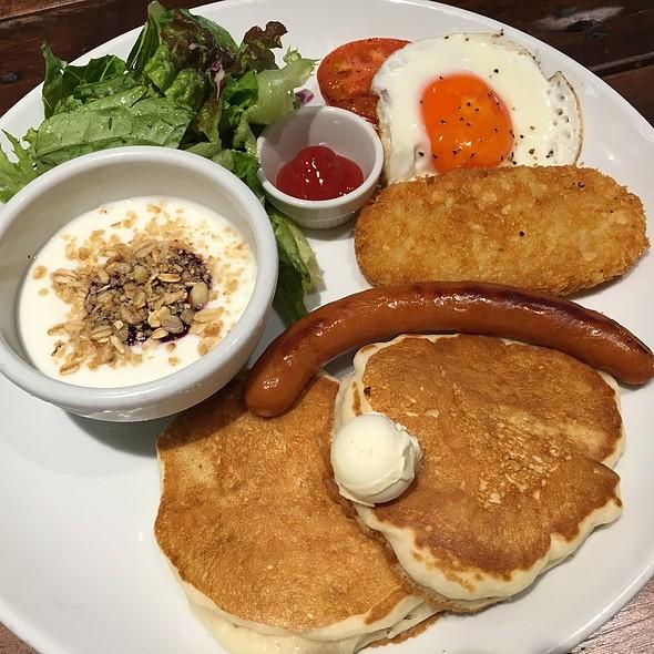 Kona Hawaiian Morning Breakfast @ Kona's Coffee