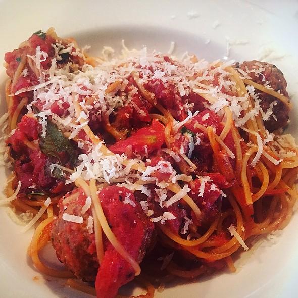 Spaghetti Alla Polpetta - Papa Razzi - Wellesley, Wellesley, MA