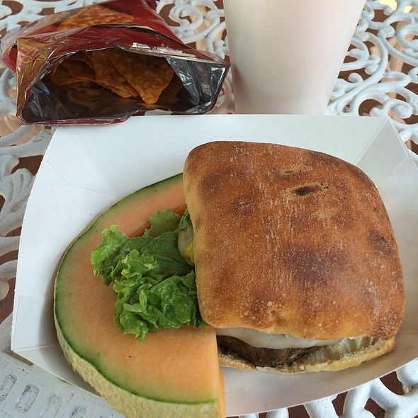 Cheeseburger w/Swiss @ Mccutchen House Garden Grille