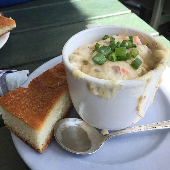 Salmon chowder @ Larkspur Cafe