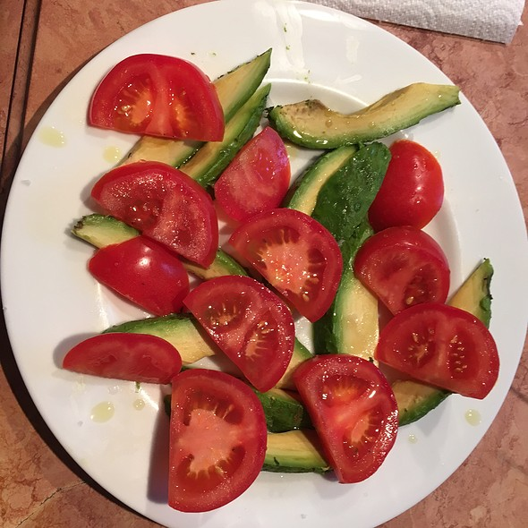 Tomato Avocado Salad @ Home