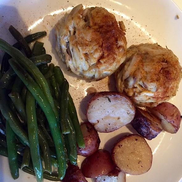 Gluten-Free Crab Cakes - The Hobbit Restaurant, Ocean City, MD